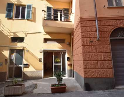 Negozio Affitto Genova Via Chiaramone Voltri