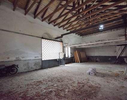 Magazzino Affitto Genova Via al Santuario Voltri