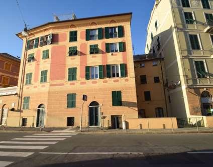 Negozio Affitto Genova via Camozzini Voltri
